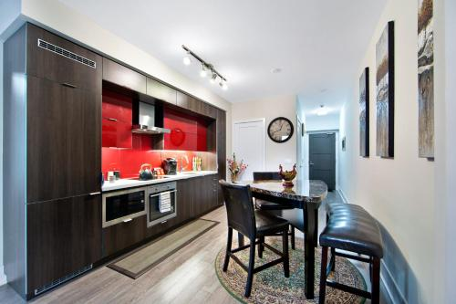 Deluxe Executive Suites - Niagara St - Multiple Suites Availeble