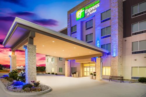 Holiday Inn Express & Suites Litchfield, an IHG hotel - Hotel - Litchfield