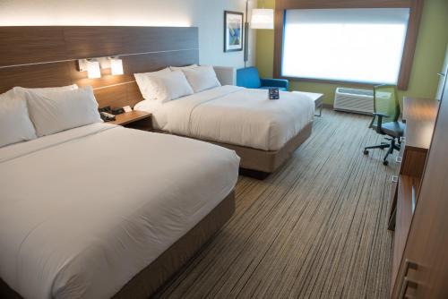 Holiday Inn Express & Suites - Merrillville