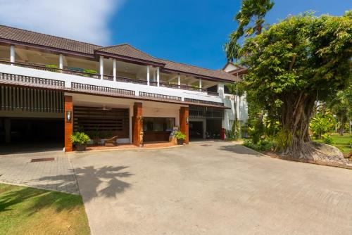 4 bedroom apartment at the beach, The Sands by PLH Phuket 4 bedroom apartment at the beach, The Sands by PLH Phuket