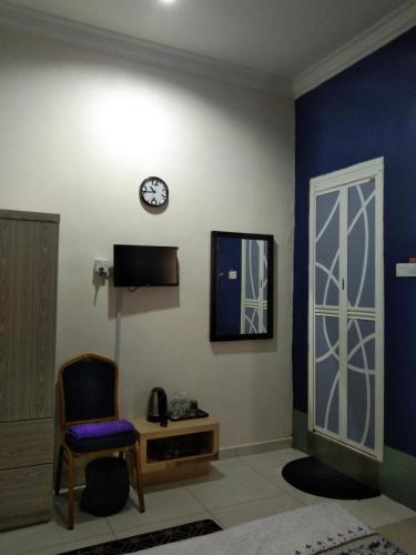 Dr Rozmey Hotel - Photo 2 of 18