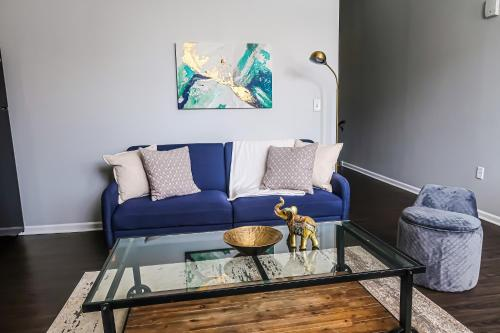 Extraordinary 1BR/1BA + Kitchen - Downtown KC
