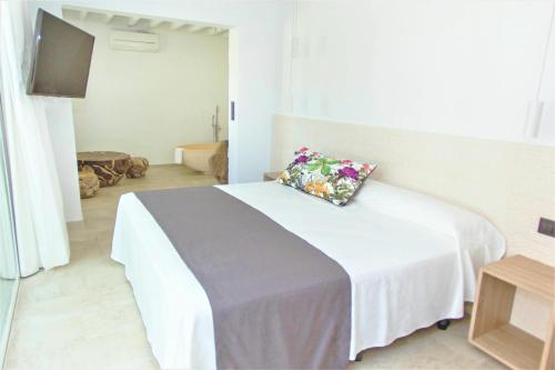Deluxe Double or Twin Room with Garden View Botaniq Hotel Boutique 2