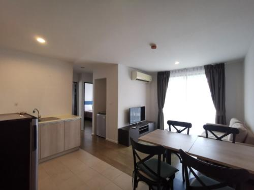 2 Bedrooms for 6 adults on 7 floor opposite Central Shopping Malls 2 Bedrooms for 6 adults on 7 floor opposite Central Shopping Malls