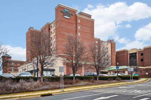Homewood Suites by Hilton Edgewater-NYC Area - Edgewater, NJ NJ 07020