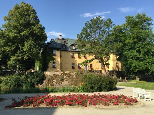 . Hotel Palac Staniszow
