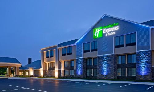 . Holiday Inn Express & Suites Willmar