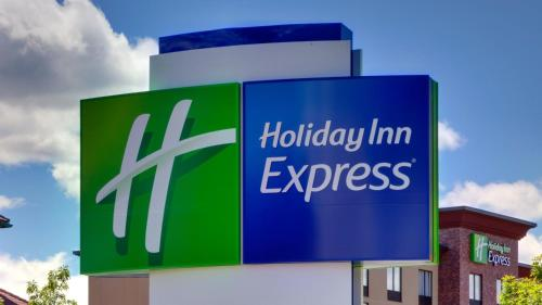 . Holiday Inn Express & Suites - Milledgeville, an IHG hotel