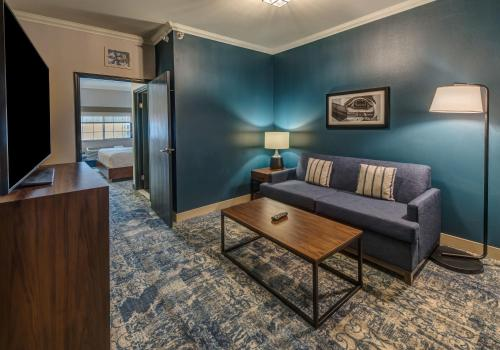 . Four Points by Sheraton Anchorage Downtown