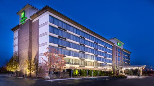 . Holiday Inn Hotel & Suites Warren, an IHG Hotel