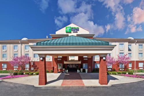 . Holiday Inn Express Hotel & Suites Manchester Conference Center, an IHG Hotel
