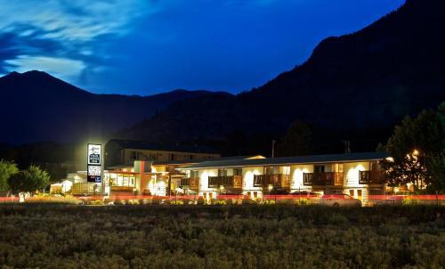 Alpine Trail Ridge Inn - Estes Park, CO 80517