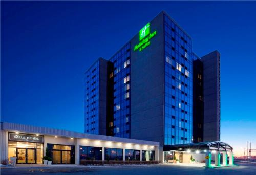 . Holiday Inn Hotel & Suites Pointe-Claire Montreal Airport, an IHG Hotel