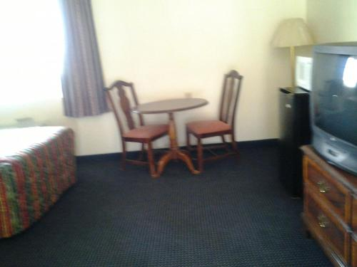Budget Inn, Tulare