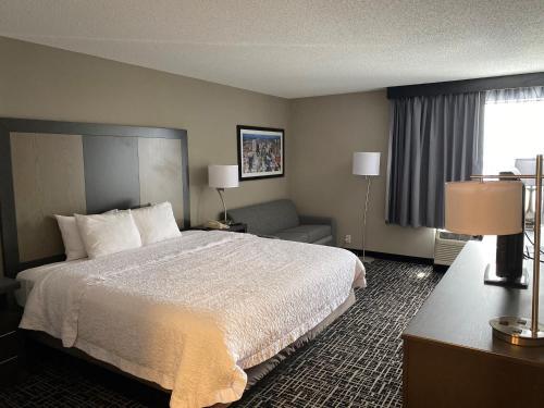 Hilltop Hotel - Saint Louis, MO MO 63127
