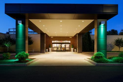 . Holiday Inn and Suites Charleston West, an IHG Hotel