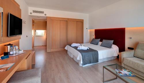Double Room with Sea View (3 Adults)