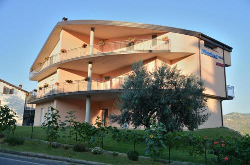 . Hotel 660