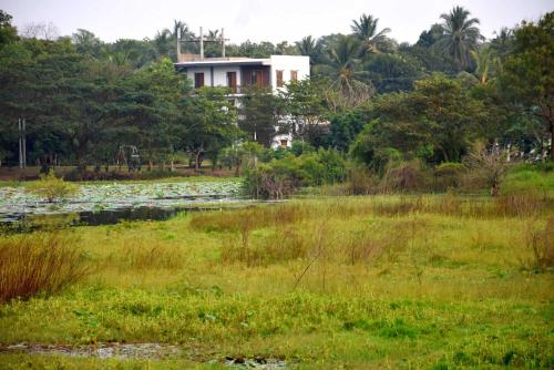 Arthi Lake Resort