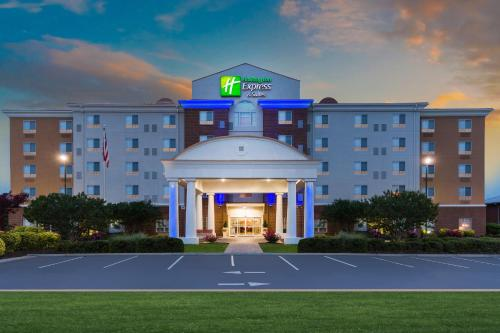 . Holiday Inn Express Hotel and Suites Petersburg - Fort Lee, an IHG Hotel