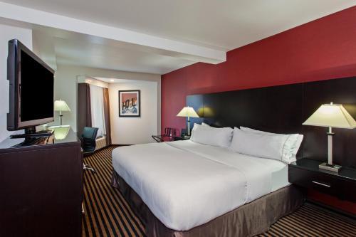 Holiday Inn Express Hollywood Walk of Fame - Los Angeles, CA CA 90068