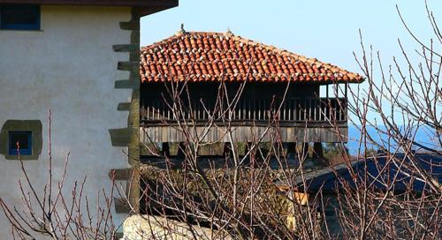 Villademoros, s/n, 33788 Valdes-Luarca, Asturias, Spain.