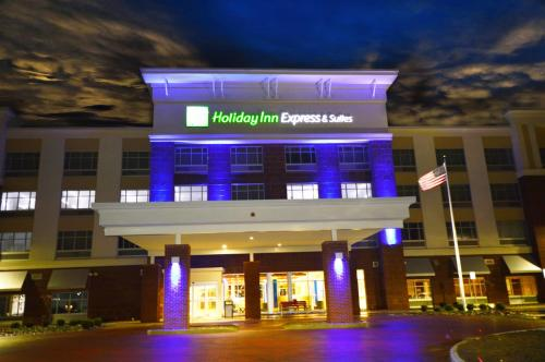 Holiday Inn Express & Suites Toledo South-Perrysburg