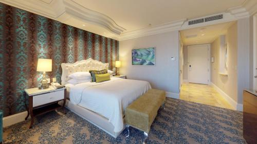 Tower Suite + Tower Deluxe Room
