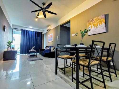 Cozy Apartment with Huge Balcony, Kiara Residence 2, Bukit Jalil, Kuala Lumpur, Kuala Lumpur