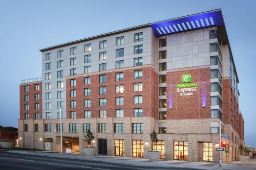 . Holiday Inn Express & Suites - Ottawa Downtown East, an IHG Hotel