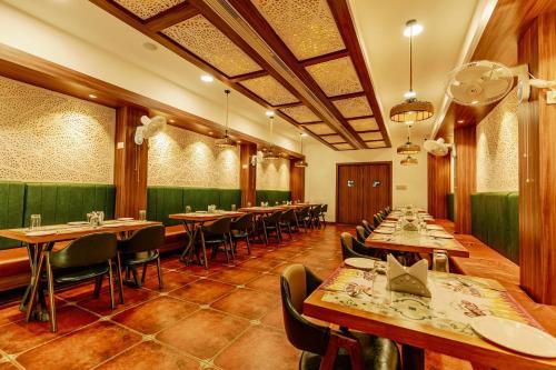 HOTEL AKSHAY GRAND