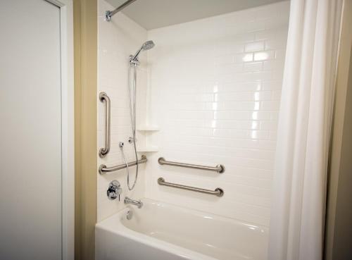 . Staybridge Suites Seattle - South Lake Union, an IHG hotel