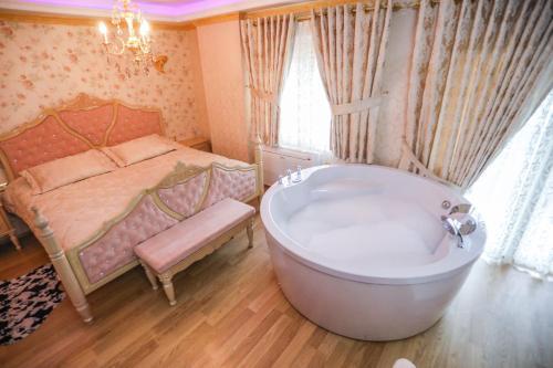 Luxurious Apartment Lake View Pogradec
