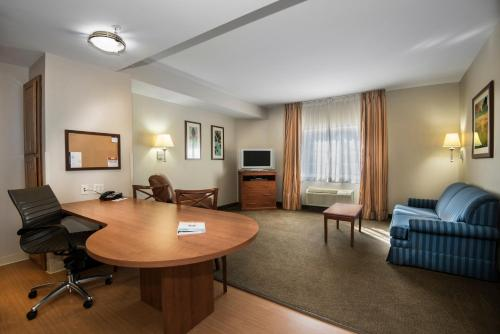Candlewood Suites Conway - Conway, AR AR 72032