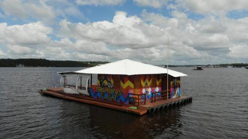Barco e Flutuante Pousada'Tarumanos Float'