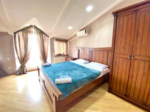 . Luxury 4 Bedroom Apartment in Old city with Panoramic Terrace