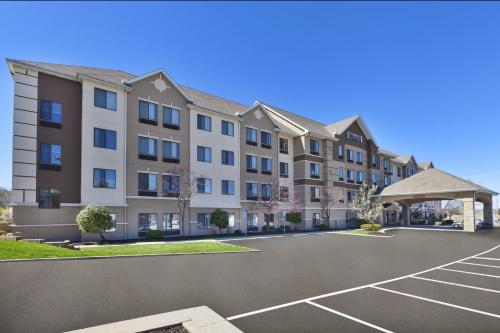 . Staybridge Suites Columbia-Highway 63 & I-70, an IHG Hotel