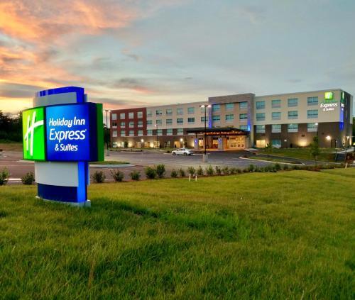 . Holiday Inn Express & Suites Raleigh Airport - Brier Creek, an IHG Hotel