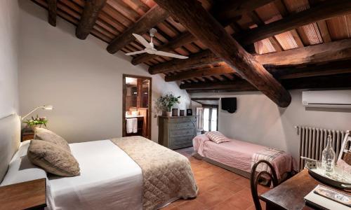 Habitación Doble con 1 cama supletoria Can Mora de Dalt 1