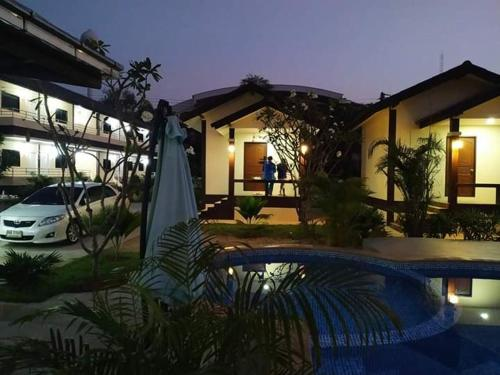 SUNRAY GUESTHOUSE