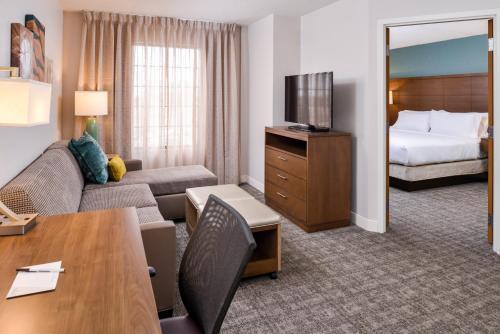 Staybridge Suites Indianapolis Downtown-Convention Center