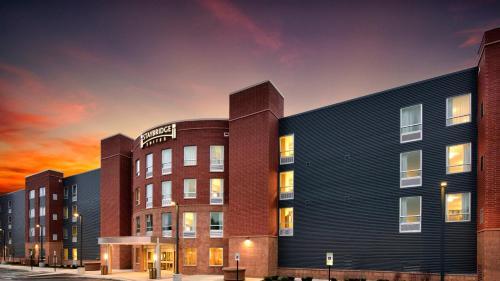 Staybridge Suites Marquette, an IHG hotel - Hotel - Marquette Mountain