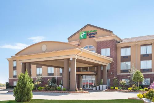 . Holiday Inn Express and Suites Hotel - Pauls Valley