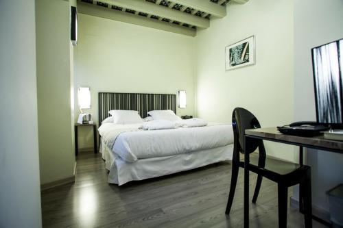 Double  Interior Room - single occupancy Hotel Boutique Casas de Santa Cruz 25