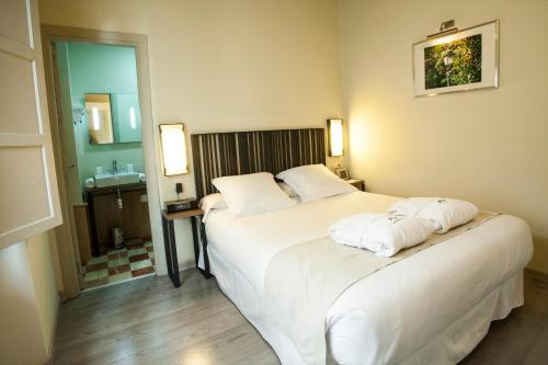 Double Room - single occupancy Hotel Boutique Casas de Santa Cruz 48