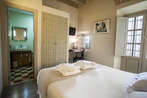 Double Room - single occupancy Hotel Boutique Casas de Santa Cruz 40