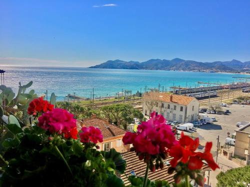 . MyHome Riviera - Cannes Sea View Apartment Rentals