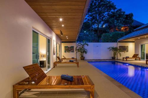 Brand New 6 Bedroom Modern Luxury Pool Villa Brand New 6 Bedroom Modern Luxury Pool Villa