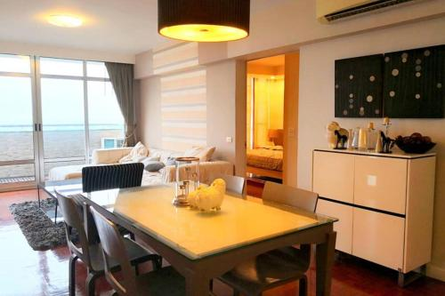 Penthouse 2 bedrooms 180 Lake view near Donmuang Airport IMPACT Aren Penthouse 2 bedrooms 180 Lake view near Donmuang Airport IMPACT Arena Hall