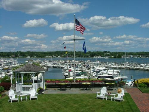 Inn At Harbor Hill Marina - Niantic, CT 06357